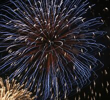 Fireworks over Tokyo - Hanabi in august by Bruno Beach