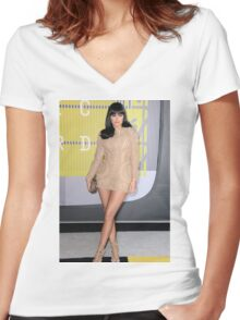 Kylie Jenner at the MTV Music Awards Women's Fitted V-Neck T-Shirt