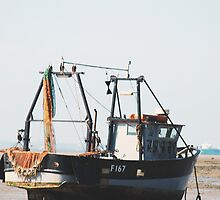 A boat with no tide by sjlphotography