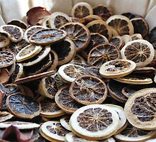 Dried Sicilian Orange slices by maashu