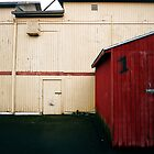 Red Shed - Portland, Oregon by cratermoon