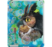 a Hoot; passin' the time watchin' bubbles float by iPad Case/Skin