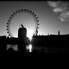 Dawn Over The Thames by lallymac