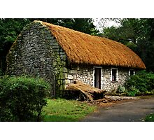 irish cottage.. Photographic Print