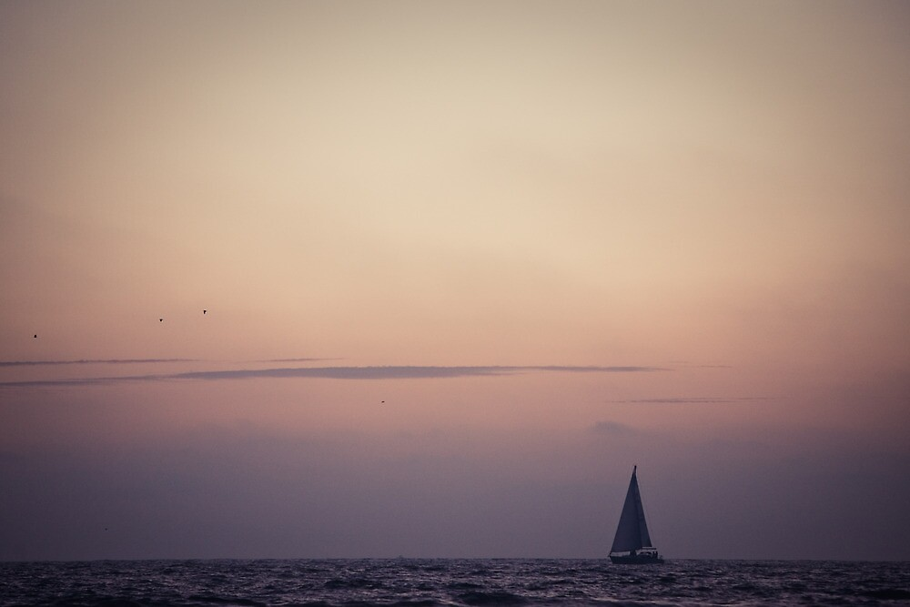 small boat in the pacific ocean, Venice Beach Los Angeles by danwa