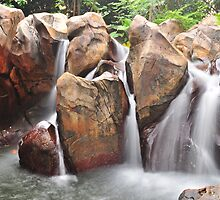 Artificial waterfall - Hong Kong Disneyland by stud
