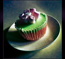 Turkish Delight Cupcake by SLRphotography