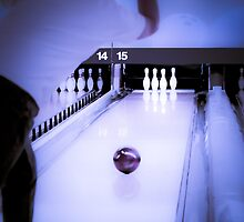 Bowling Throw in Blue by Zunazet