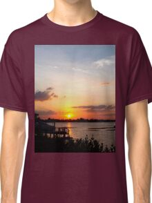 Dock on the bay Classic T-Shirt
