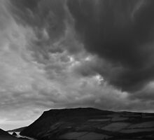 Boiling clouds over Fleshwick - photography by Paul Davenport