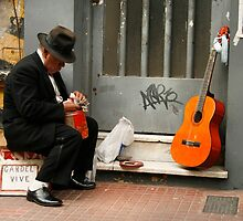 People 8690 / Buenos Aires, Argentina by Mart Delvalle