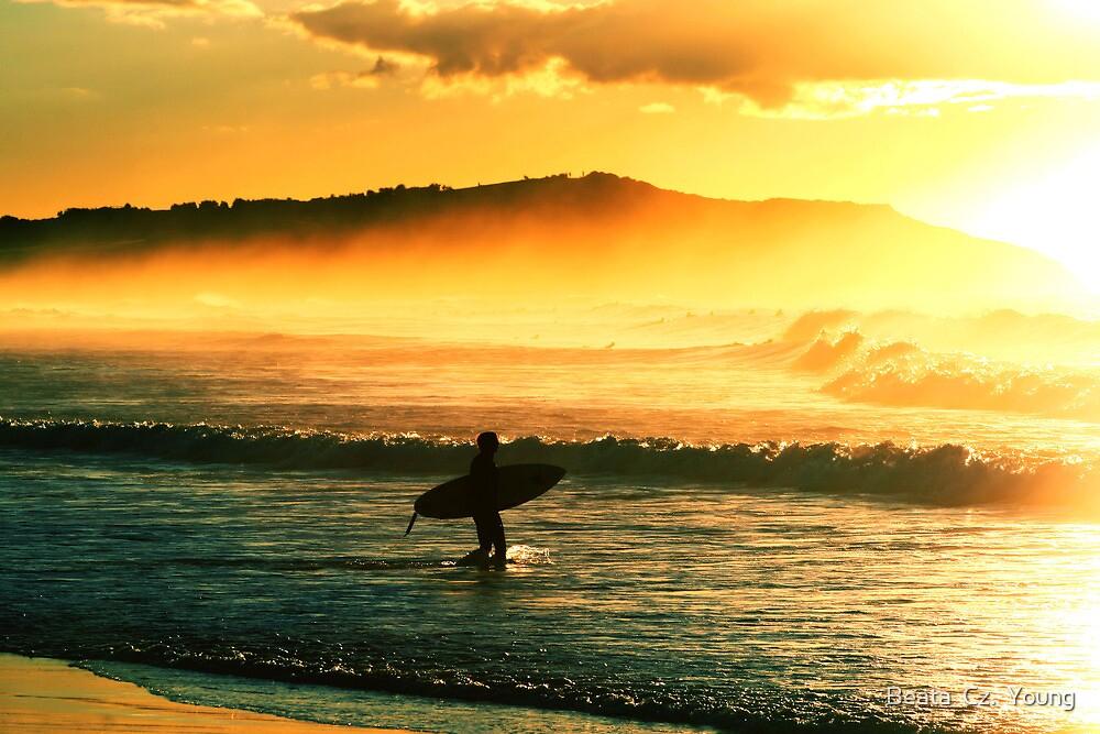 Sunrise surf. by Beata  Czyzowska Young