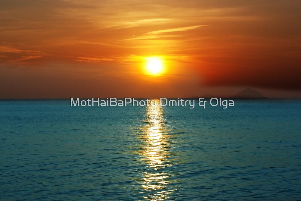 Sunset over ocean by MotHaiBaPhoto Dmitry & Olga