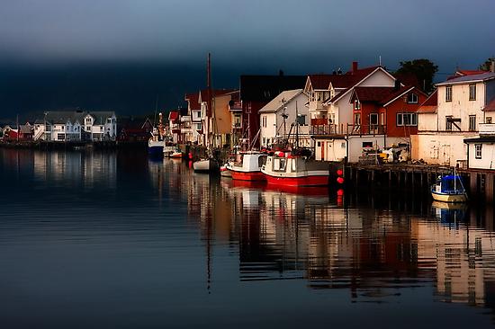 Henningsvaer. Lofoten Islands. Norway. by photosecosse /barbara jones
