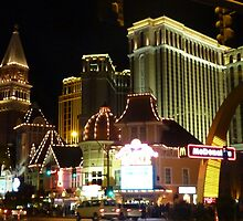 Las Vegas Strip at night by rkdownton
