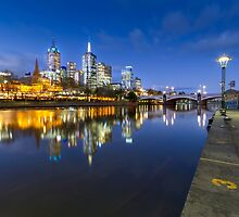 Melbourne by night by Maddison Falls