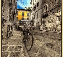 Lucca Tuscany by clint hudson