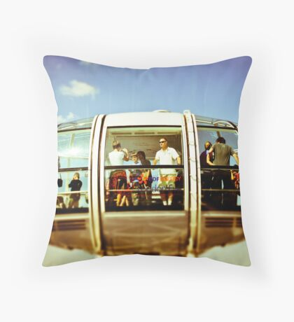 I see no ships Throw Pillow