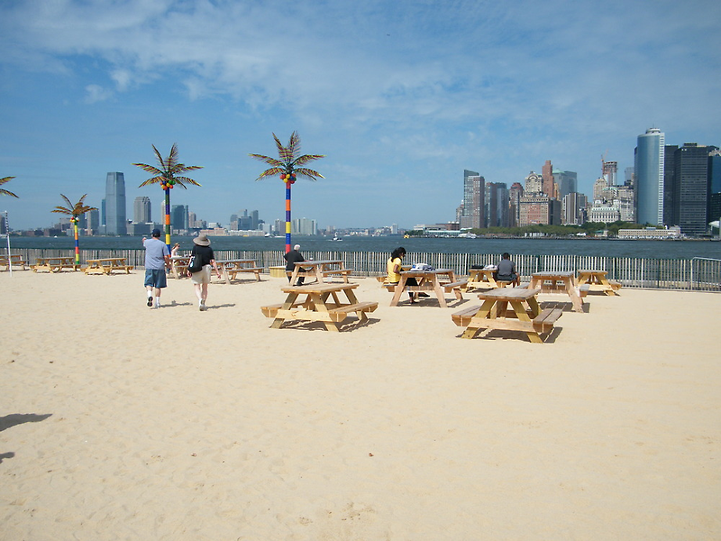 Governors Island, Water Taxi Beach, New York by lenspiro