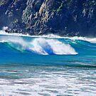 Waves at Quintay by Daidalos