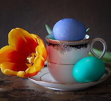Teacup with Eggs by Colleen Drew