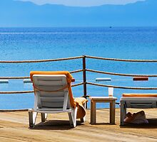 chaise-longue and sea by Medeu