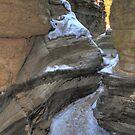 Icy canyon II by zumi