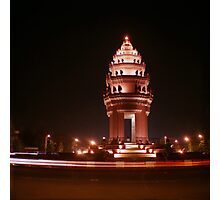 independence monument, phnom penh, cambodia Photographic Print