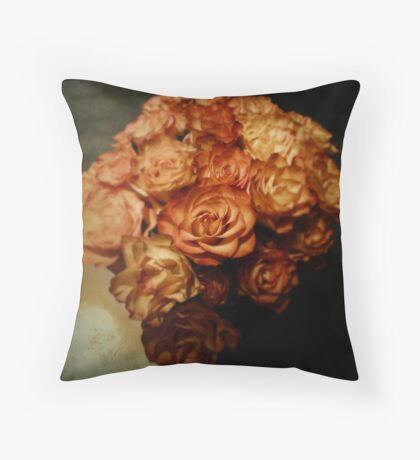 Roses for my love Throw Pillow