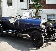 1921 Bentley 3 Litre(outside Comissioner house Chatham Dockyard) by Andy Jordan