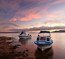 Anchored at Lake Hume by Timo Balk