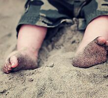 Baby toes in the sand for the first time... by kristideephotog