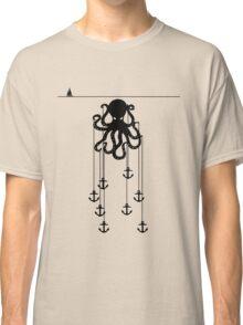 Octopus summer at sea Classic T-Shirt