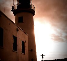 Scarborough Harbour Lighthouse by Tony Worrall