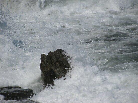 Castle Rock Water Art by RickGregory