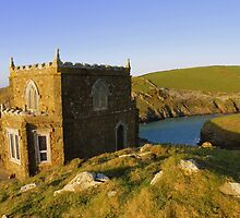 Cornwall: Evening at Doyden Castle by Rob Parsons