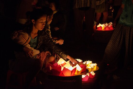 Hoi An: Full Moon Festival by Kasia-D