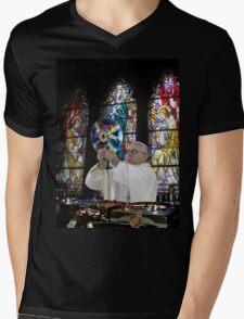 Catholic DJ Earth Pope Francis Turntable EDM Mens V-Neck T-Shirt