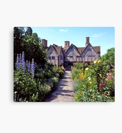 Cottage garden, Stratford-upon-Avon. UK. Canvas Print
