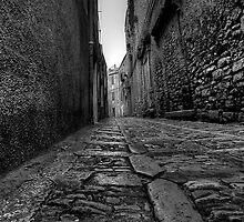 una strada antica  by Andrea Rapisarda