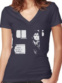 The 10th Doctor Women's Fitted V-Neck T-Shirt