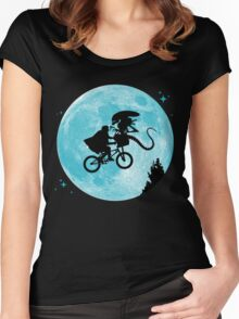 E.T. vs Aliens Women's Fitted Scoop T-Shirt