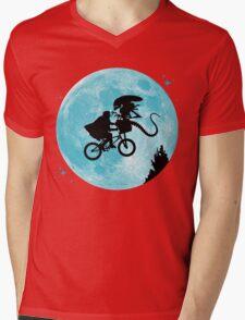 E.T. vs Aliens Mens V-Neck T-Shirt