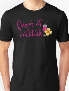 Queen of cocktails with cute tropical flower drinks T-Shirt