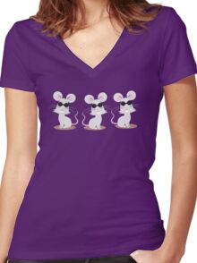 Three blind mice Women's Fitted V-Neck T-Shirt