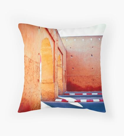 Murs rouges Throw Pillow