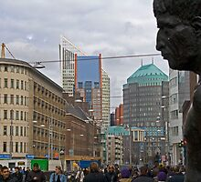 Statue The Hague by Robin Veldhuis