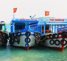 Boat Nha Trang Vietnam by Stevii