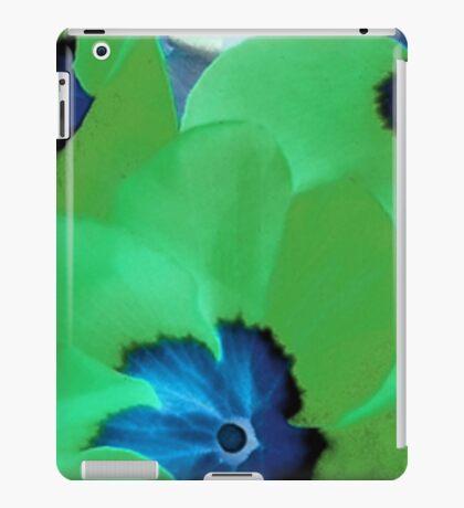 Green Primrose iPad Case/Skin