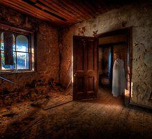 Denman's Apparition by Ian English